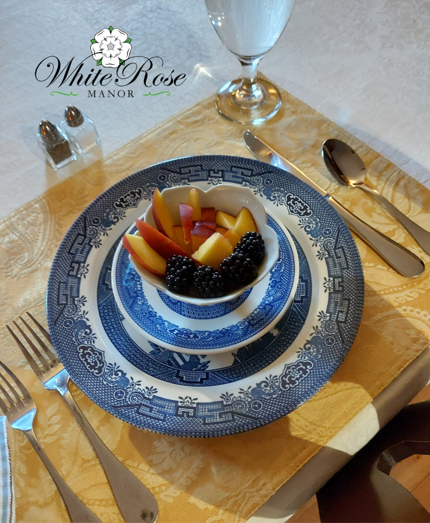 Image of place setting with fruit bowl